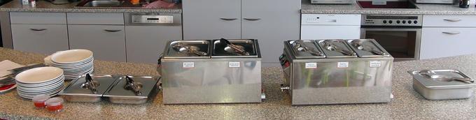 Lunchs chauds (à gauche) ou froids (à droite) : partagez un moment différent avec vos collègues !